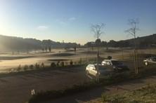 Gelo cobre campo de golfe em Lisboa