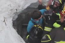 Duas crianças entre os oito sobreviventes de avalanche