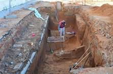 Sepulturas romanas descobertas em obras