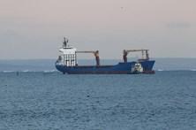 Navio com portugueses a bordo encalhado na foz do rio Tejo