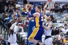 Lakers sofrem maior derrota da história