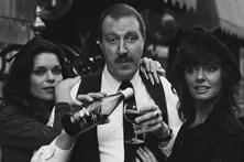 Morreu Gordon Kaye, o René de 'Allo 'Allo!