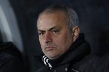 José Mourinho vence quarta Taça da Liga inglesa