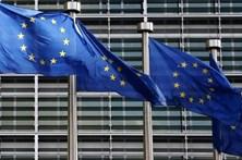 Clima de negócios melhora na zona euro em fevereiro