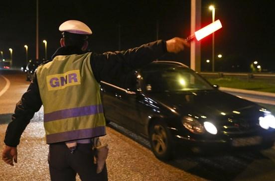 GNR regista 79 acidentes e deteve 24 pessoas esta madrugada