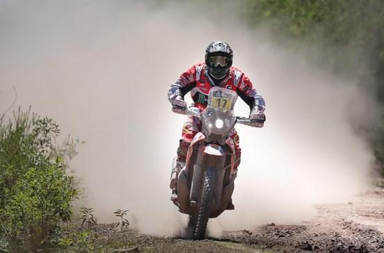 """Organização do Dakar """"tira"""" vitória na etapa a Paulo Gonçalves"""