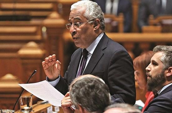 Governo leva acordo porta a porta aos patrões e UGT