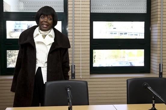 Justiça vai contratar 27 médicos e 56 enfermeiros para as prisões este ano