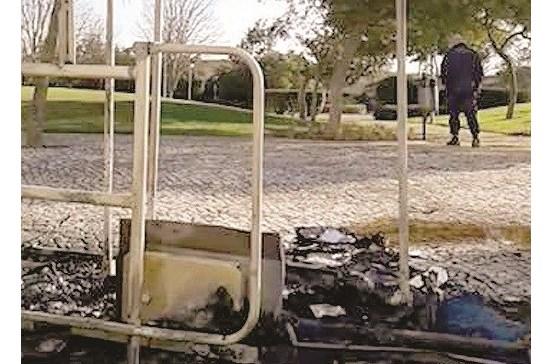 Incêndio destrói ecopontos