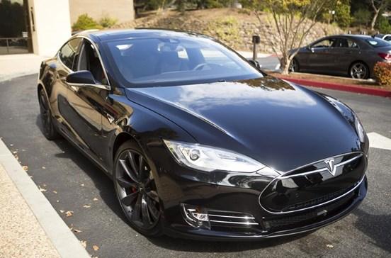 Portugueses já podem comprar veículos elétricos da Tesla
