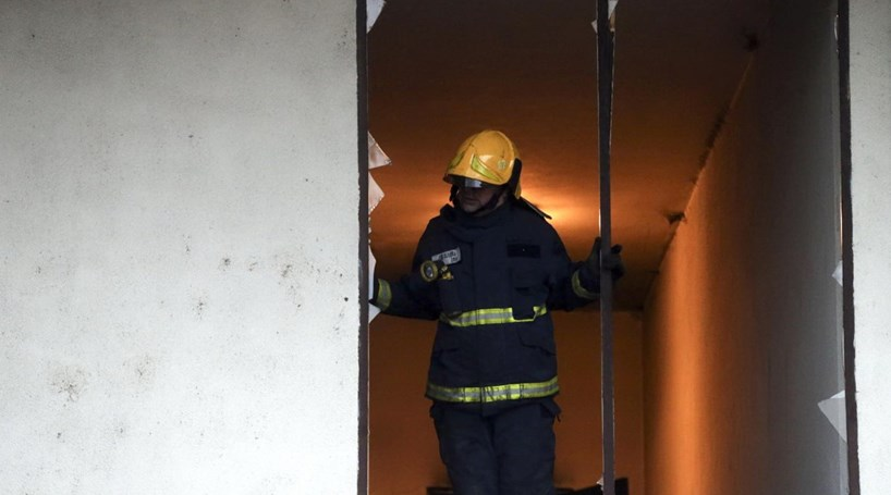 Moradores afetados por incêndio em Guimarães regressam a casa