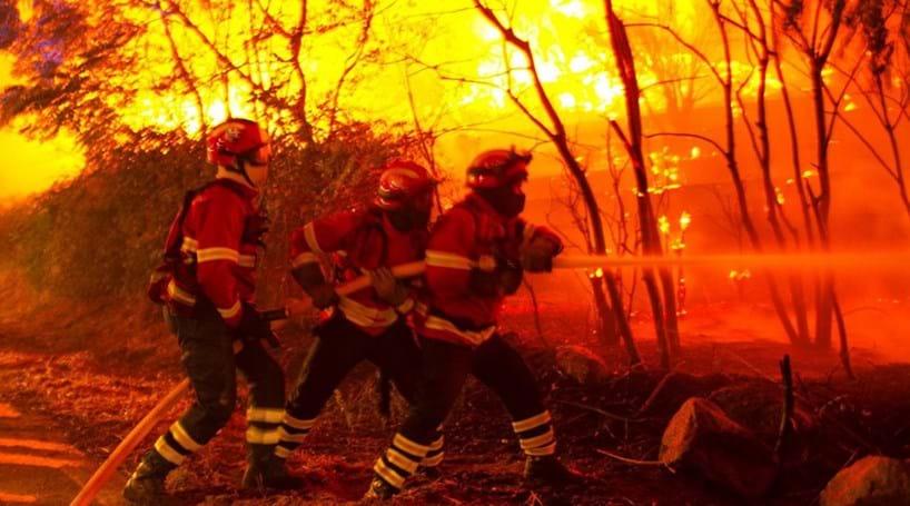 Resultado de imagem para Parlamento debate regime para bombeiros faltarem ao serviço na época de fogos