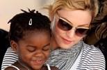 Madonna adota duas crianças do Malawi