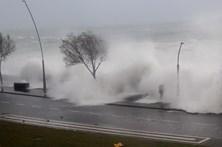Chuva forte provoca pequenas inundações e derrocadas em São Miguel