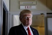 Novas diretivas de Trump admitem deportação de quase todos os imigrantes ilegais