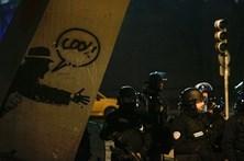 Novos confrontos em Paris após alegada violação policial