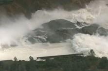 Nível de água em barragem nos EUA baixa após evacuação de milhares