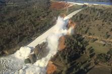 Danos em barragem obrigam a deslocar mais de 100 mil na Califórnia