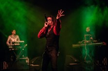 As melhores imagens do concerto dos Thievery Corporation