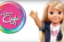 """Pais obrigados a destruir """"boneca espia"""""""