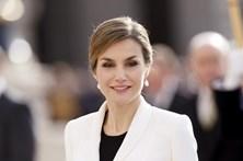 Rainha Letizia com novo rosto
