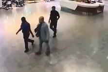Vídeo mostra ataque ao irmão do presidente coreano