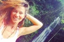 Cláudia Vieira namora em S. Tomé