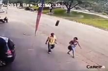Homem é atingido por pneu a alta velocidade