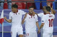 Sevilha bate Leicester por 2-1 e desperdiça vitória volumosa