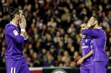 Início desastroso do Real Madrid custa derrota em Valência
