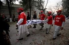 Pelo menos cinco mortos em atentado à bomba no Paquistão