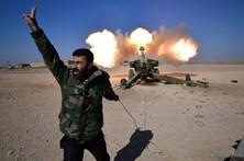 Forças iraquianas iniciam ataque a aeroporto de Mossul