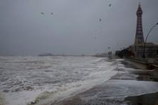 Tempestade 'Doris' cancela viagens no Reino Unido