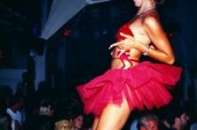 Discoteca oferece 100 euros a mulheres sem cuecas