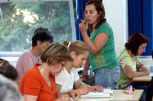 Educação de adultos arranca em 270 centros