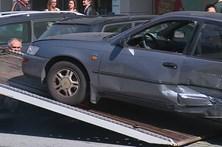 Colisão entre dois carros fere duas mulheres