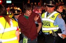 Conduz carrinha contra multidão nos EUA e fere 28 pessoas
