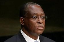 """Diretor do Jornal de Angola diz que """"custa ver tanta falta de vergonha"""" em Portugal"""