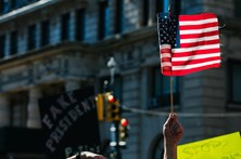 Primeira manifestação em defesa dos 'media' realizada em Nova Iorque