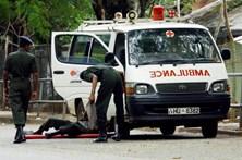 Sete mortos em disparos contra autocarro prisional no Sri Lanka