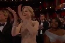 O estranho aplauso de Nicole Kidman
