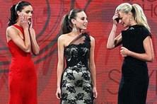 Apresentadora troca vencedora do Australia's Next Top Model 2010