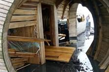 Bar premiado dos Açores destruído pelas ondas