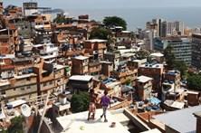 Turista argentina baleada após entrar por engano em favela brasileira