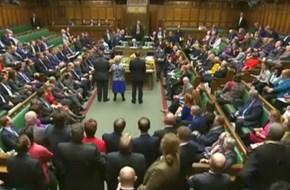 Parlamento britânico autoriza Governo a iniciar o Brexit