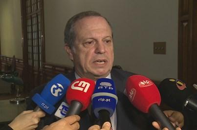 PSD e CDS avançam com comissão de inquérito para apurar se Centeno mentiu