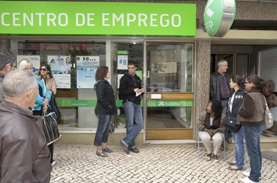 Número de desempregados inscritos nos centros de emprego cai 16% em agosto