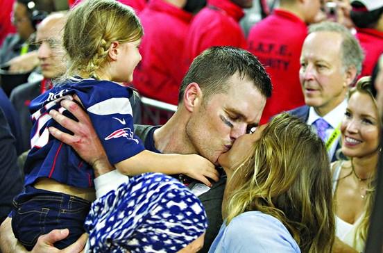 Marido de Gisele faz história no Super Bowl