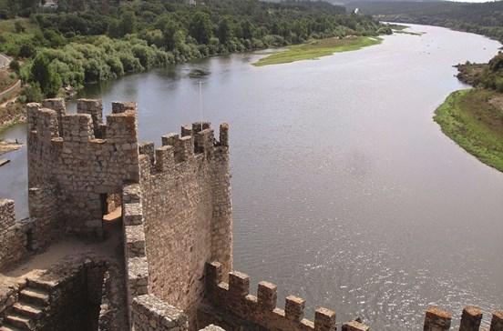 Uma volta pelos castelos de Portugal