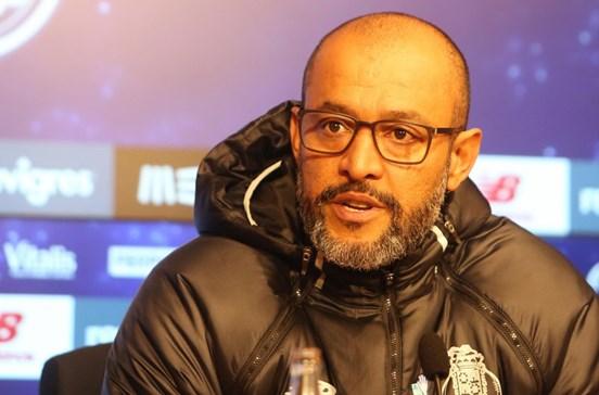 Nuno Espírito Santo garante que FC Porto não se sente inferior a ninguém